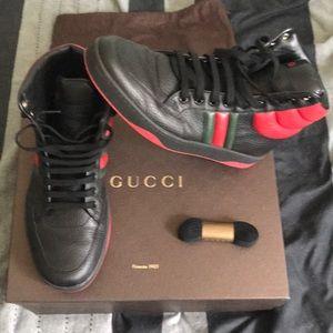 Gucci shoes size UK 8.5 US 9.  New Praga Karibu.